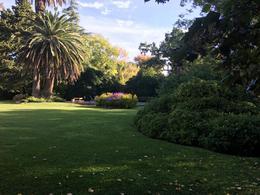 Foto Casa en Venta en  City Bell,  La Plata  Espectacular Quinta en 445 (24 y 26) City Bell.