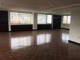 Foto Oficina en Alquiler en  Centro Norte,  Quito  Amazonas - Gaspar de Villarroel, Edificio Para oficinas de Arriendo 800m2