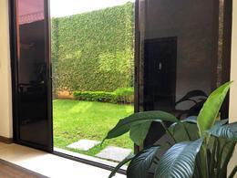 Foto Casa en condominio en Venta en  Santana,  Santa Ana  Lindora/ Remodelada/ Piscina/ Amplia/ Seguridad 24/7