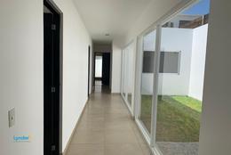 Foto Casa en Venta en  Juriquilla,  Querétaro  Lago Cajititlán 108,  Cumbres de Lago, Juriquilla, Querétaro. C.P. al 76200