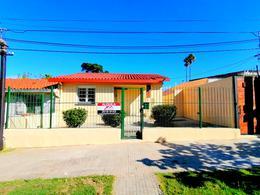 Foto Casa en Alquiler en  Cerro ,  Montevideo  Cerro, Dr. Pedro Castellino 1811