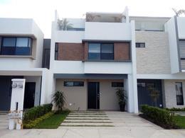Foto Casa en Venta en  Ejido San Jose Novillero,  Boca del Río  Casa en Venta con Roof Garden en Residencial CUMBRES