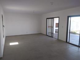 Foto Casa en Venta en  Comarca de Allende,  Villa Allende  Av. Padre Luchesse KM 3,5