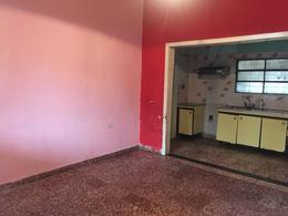 Foto Casa en Venta en  Quilmes ,  G.B.A. Zona Sur  Uriburu 4383
