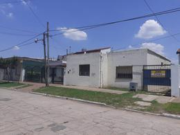Foto Casa en Venta en  Merlo,  Merlo  Luis Agote al 600