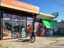 Foto Local en Venta en  Colonia del Sacramento ,  Colonia  Ideal para renta 2 locales comerciales sobre F. J. Carballo + 6 Apartamentos
