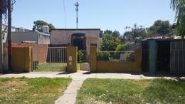 Foto Casa en Venta en  Ludueña,  Rosario  Felipe More al 400