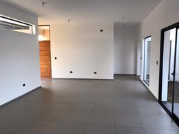 Foto Casa en Venta en  Comarca de Allende,  Villa Allende  Casa a Estrenar de 3 Dormitorios - 3 Baños - Comarca de  Allende