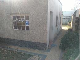 Foto Casa en Venta en  Fisherton,  Rosario  Navarro al 7700