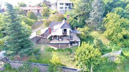 Foto Casa en Venta en  Rio Ceballos ,  Cordoba  Hermosa Casa en Rio Ceballos - 4 Dor - 2 bñs - Cocheras - Balcones y Más!!!