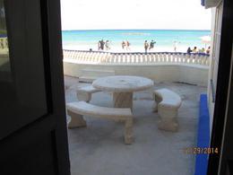 Foto Departamento en Venta en  Playa del Carmen Centro,  Solidaridad  REMATE DE DEPARTAMENTO TIPO LOFT FRENTE AL MAR EN PLAYA DEL CARMEN , EN LA PRIMERA LINEA MUY CERCA DEL MUELLE FISCAL Y DE LA FAMOSA QUINTA AVENIDA