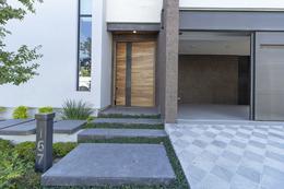 Foto Casa en Venta en  San Pedro Garza Garcia ,  Nuevo León  Rio Balsas y Rio La Silla, Jardines del Valle