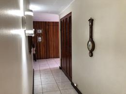Foto Casa en Venta en  San Pedro,  Montes de Oca  Los Yoses / 3 habitaciones / Remodelada / Amplia / Acogedora / Segura /  Patio de ensueño