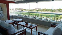 Foto Departamento en Alquiler   Alquiler temporario en  Playa Brava,  Punta del Este  Rambla Brava Punta del Este edificio Indigo