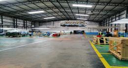 Foto Nave Industrial en Alquiler en  Munro,  Vicente Lopez  Av. Ader al 2200