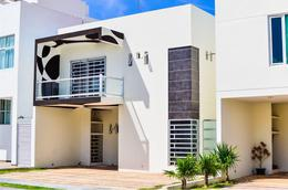 Foto Casa en Venta en  Playa del Carmen,  Solidaridad  CASA EN VENTA 4REC PLAYA DEL CARMEN-EL ENCUENTRO
