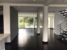 Foto Casa en condominio en Venta en  Escazu,  Escazu   Casa Contemporánea en Escazú con Jardín cerca de DISTRITO 4