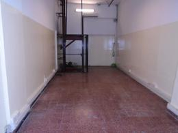 Foto Local en Venta en  Monserrat,  Centro (Capital Federal)  Santiago del Estero al 300