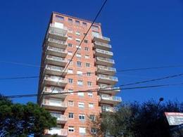 Foto Departamento en Alquiler en  La Lucila-Vias/Libert.,  La Lucila  Av del Libertador al 3700