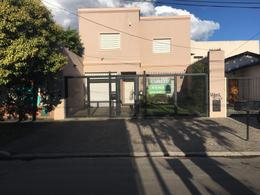 Foto thumbnail Casa en Venta en  Lomas de Zamora Oeste,  Lomas De Zamora  FRAY LUIS BELTRAN al 100