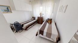 Foto Departamento en Venta en  Península,  Punta del Este  Muy Lindo Apartamento a pasos del mar