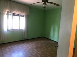 Foto Casa en Venta en  La Blanqueada ,  Montevideo  Cardal y Propios! Amplia Casa con excelente potencial!!!