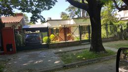 Foto Casa en Venta en  Adrogue,  Almirante Brown  CANALE 1860 Entre Erezcano y La Rosa