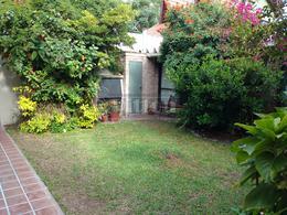 Foto Casa en Venta en  Banfield Este,  Banfield  Castro Barros 819
