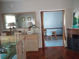 Foto Casa en Venta en  Adrogue,  Almirante Brown  Intendente Gonzalez al 400