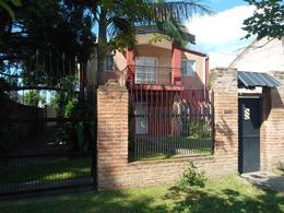 Foto Casa en Venta en  Av. Aconquija,  Yerba Buena  Italia al 2800