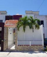 Foto Casa en Renta en  Cancún,  Benito Juárez  CASA EN RENTA CANCUN 3 REC con opción a consultorio, oficina o negocio