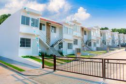 Foto Casa en Venta en  Patria,  Veracruz  Casa Duplex en Planta Alta en Cluster con Amenidades y Alberca