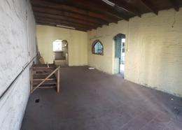 Foto Local en Alquiler en  Lomas de Zamora Oeste,  Lomas De Zamora  Colombres al 1800