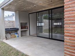 Foto Casa en Venta en  Yerba Buena ,  Tucumán  Saavedra Lamas al 300