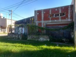 Foto Galpón en Venta en  Ringuelet,  La Plata  517 n° 747 esquina 2 bis