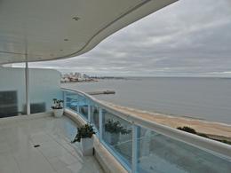 Foto Departamento en Venta en  Playa Mansa,  Punta del Este  Apartamento Frente al Mar con una de las vistas mas lindas de Punta del Este