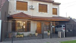 Foto Casa en Venta en  Moron Sur,  Moron  Lanus 2747. Moron
