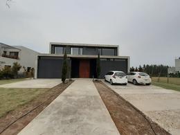 Foto Casa en Venta | Alquiler en  El Golf,  Nordelta  Nordelta,golf