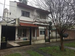 Foto Casa en Venta en  Adrogue,  Almirante Brown  Cervantes 778