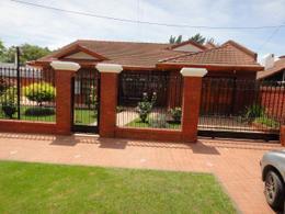 Foto Casa en Venta en  Glew,  Almirante Brown  Soldi entre Mitre y