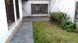 Foto Casa en Venta en  Adrogue,  Almirante Brown  Illia al 900, entre Italia y Uriburu