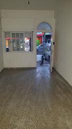 Foto Local en Alquiler en  Moreno,  Moreno  Monoambiente comercial - centrica - Rivadavia al 100