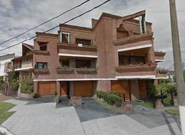 Foto PH en Venta en  Wilde,  Avellaneda  Emilio Zola 6409