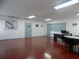 Foto Local en Alquiler en  Buceo ,  Montevideo  Comercio y Propios Aprox