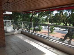 Foto Departamento en Alquiler en  Punta Carretas ,  Montevideo  Bvar Artigas frente al Golf
