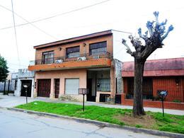Foto Casa en Venta en  Moron,  Moron  Vicente Lopez 91