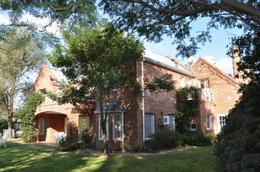 Foto Casa en Venta en  Fisherton,  Rosario  Aldea Tenis  al 100