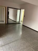 Foto Departamento en Alquiler en  Balvanera ,  Capital Federal  Alberti 354, PB A