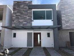 Foto Casa en condominio en Venta en  San Mateo Atenco ,  Edo. de México  Casa Nueva en Venta en San Mateo Atenco