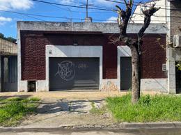 Foto Casa en Venta en  Chilavert,  Villa Ballester  Mar del Plata al 4200